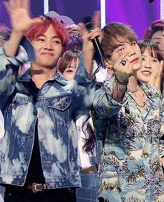 "Suga is just casually giving out a hearteu and TaeTae's like ""Yay!"""