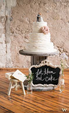 Create a beautiful cake display for your vintage inspired wedding! Let them eat cake!