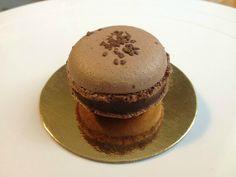 Macarons au chocolat et griottes Amarena