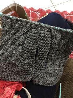 Cardigan Balloon Cinza Irish Crochet, Knit Crochet, Free Knitting, Fingerless Gloves, Arm Warmers, Knitted Hats, Free Pattern, Winter Hats, Handmade