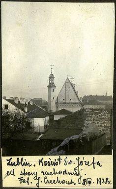 Józefa Czechowicza znamy głównie jako jednego z najbardziej obiecujących polskich poetów lat 20 i 30, a okazuje się, że był bardzo płodnym... fotografem. Przypominamy zdjęcia jego autorstwa odnalezione kilka lat temu w niezwykłym albumie.