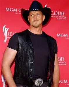 Trace Adkins - tall drink of water!!
