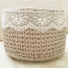 The most beautiful Crochet basket and straw models Diy Crochet Basket, Crochet Bowl, Knit Basket, Crochet Lace, Crocheted Bags, Free Crochet, Crochet Storage, Crochet Video, Crochet Purses