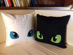 Toothless- White Fury, Light fury - Dragon Trainer - night fury How to Train your Dragon pillow Zahnlos Weiß Wut Leichte Wut . Dragon Birthday, Dragon Party, How To Train Dragon, How To Train Your, Cute Crafts, Diy And Crafts, Croque Mou, Dragon Nursery, Sewing Crafts