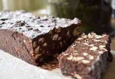 Arretjescake is een koude cake die in verschillende Nederlandse streken gegeten wordt. Hoewel de ingrediënten per streek verschillen, is de basis hetzelfde.