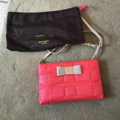 Kate Spade cross body handbag Bright coral with khaki accent. 10x6.5x2.5. Great condition only used a couple times. Woven. kate spade Bags Crossbody Bags