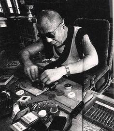 His Holiness 14th the Dalai lama love repairing watch..