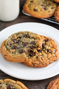 Espresso Toffee Chocolate Chip Cookies - one of the most delicious cookies I've EVER tasted!