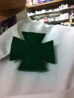 TallerdeLuna: Broche farmacia