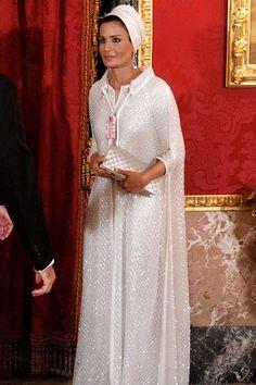 Шейха Моза, Катар.  Жена  бывш.  эмира  Катара  и  мать  нынешнего.