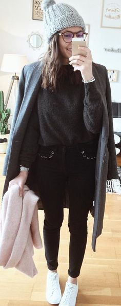 #winter #outfits gray sweater. Pic by @mgch_.
