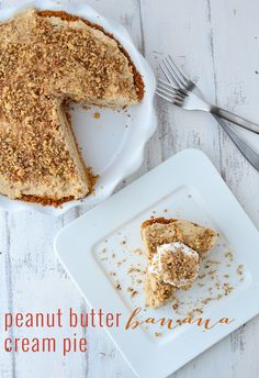 Peanut Butter Banana Cream Pie! Creamy, fluffy peanut butter and banana filling topped in a graham cracker crust. #Dairy-Free & #Vegan | www.delishknowledge.com