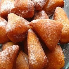 african food: Mahamri - Tanzanian cardamom and coconut flavoured fritters. Read Recipe by South African Recipes, Indian Food Recipes, Beignets, I Love Food, Good Food, Tanzania Food, African Dessert, Arabic Food, Fritters