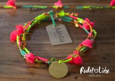 Hippie Halskette FREE für den Hund Hippie Armband WILD fürs Frauchen. www.rudelliebe.de