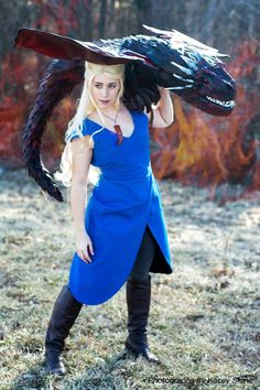 Daenerys and Drogon Cosplay http://geekxgirls.com/article.php?ID=2153