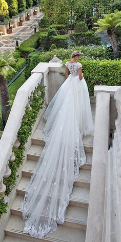 Alessandra Rinaudo Bridal Collection 2017 ❤ See more: http://www.weddingforward.com/alessandra-rinaudo-bridal-collection/ #wedding #dresses