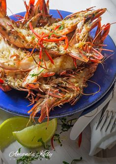 Looking for a simple meal? [Grilled Black Tiger Prawns With Chilli, Garlic And Lime] Seafood from @nicholasCfood