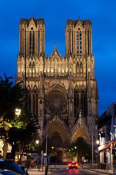 France, Marne, Champagne Ardenne, Reims, Cathedrale Notre Dame, exterior, evening Monuments, Saint Remi, Ardennes, Le Palais, Chapelle, Castles, Destinations, Exterior, France
