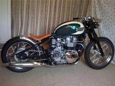 Triumph Bonneville Bobber #