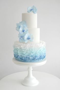 wedding cakes Informations About Featured Wedding Cake: Zoë Clark Cakes; Floral Wedding Cakes, Cool Wedding Cakes, Elegant Wedding Cakes, Beautiful Wedding Cakes, Gorgeous Cakes, Wedding Cake Designs, Pretty Cakes, Wedding Cake Toppers, Wedding Favors
