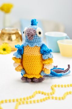 Amigurumi crochet parrot models are waiting for you. We offer the descriptions of all beautiful amigurumi parrot models. Crochet Patterns Amigurumi, Crochet Dolls, Crochet Yarn, Knitting Patterns Free, Free Knitting, Free Pattern, Amigurumi Tutorial, Crochet Parrot, Crochet Birds