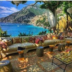 schöne Villa Treville in Positano Italien by trave . - Bilderest Die schöne Villa Treville in Positano Italien by trave . Beautiful Places In The World, Beautiful Beaches, Wonderful Places, Amazing Places, Places To Travel, Travel Destinations, Places To Visit, Dream Vacations, Vacation Spots