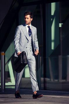 Darren Kennedy Designs Second Collection for Louis Copeland (umm who is Louis Copeland? Gentleman Mode, Dapper Gentleman, Gentleman Style, True Gentleman, Mens Fashion Week, Fashion Moda, Men's Fashion, Fashion Suits, Fashion Blogs