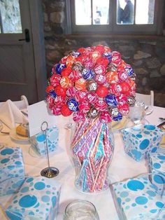 Quinceanera Ideas For Decorations Chocolate Theme Ehowcom Pic #16 Candy Centerpieces Wedding, Lollipop Centerpiece, Table Centerpieces, Reception Table Decorations, Wedding Candy, Colorful Centerpieces, Centerpiece Ideas, Candy Decorations, Candy Cakes