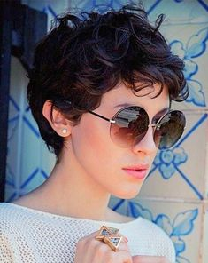 20 Short Shag Hairstyles and Haircuts Ideas Morena baccarin short shaggy for curly hair Curly Pixie Haircuts, Short Curly Pixie, Short Shag Hairstyles, Short Curls, Curly Hair Cuts, Curled Hairstyles, Cool Hairstyles, Hairstyles 2018, Teenage Hairstyles