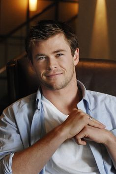 Chris Hemsworth <3 You adorable cuddly teddy bear you