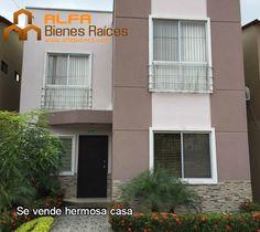 Se vende muy linda casa remodelada - Urb. La Joya   Para mayor información ver el link: http://glurl.co/jVA - 2