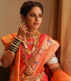 Marathi Bride, Marathi Wedding, Marathi Nath, Wedding Looks, Bridal Looks, Bridal Style, Kurta Style, Indian Wedding Photography Poses, Indian Bridal Fashion