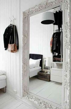 Énorme miroir pour la chambre à coucher