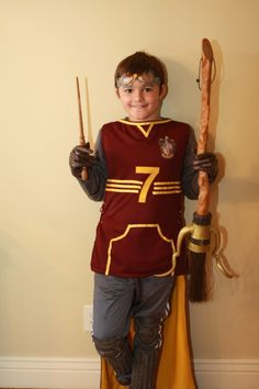 Harry Potter Quidditch Costume....teo costume idea for next year! yes!