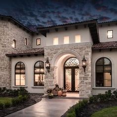 57 Excellent Exterior Home Design Ideas For Your Dream Home - The exterior part of your house is as important as the interior. When people first look at your house, it is the exterior part that they will notice f. Spanish Style Homes, Spanish House, Tuscan Style Homes, Hacienda Style Homes, Dream Home Design, Modern House Design, Mediterranean Homes Exterior, Mediterranean Design, Tuscan Design
