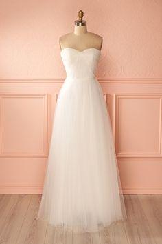 Voici 10 options de robes parfaites pour se marier le portefeuille léger.