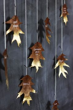 spray+paint+-+giving+thanks+leaf+garland+-+thesweetestoccasion.jpg (600×900)