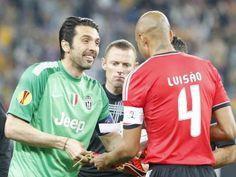 :.: Buffon: «Juventus não foi humilhada pelo Benfica» - Liga Europa - Jornal Record :.: