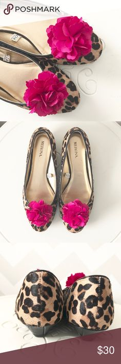 Merona leopard print flats 🌺 bright pink flower Super cute brand new never worn Merona flats.  Cute leopard print with bright pink flower detail! Bundle with others in my closet and save! Merona Shoes Flats & Loafers