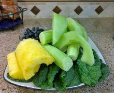 Kale, Cucumber, Zucchini, Honey Dew Melon, Blueberries, and Pineapple YIELD: 5 Cups Juice