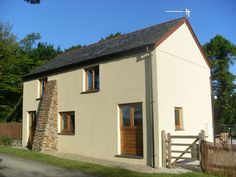 Prices from £318.00 Sleeps 6 - J30. Secure online booking.