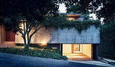 Minimalist Open Design With Green Grass Architecture Cantilever Garden Basement Garage