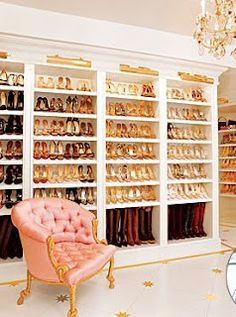 I'm deffinetly  making my husband build me a closet like this when I get married one day , it's a must!<3
