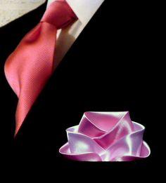 Pocketsquare folded into a rose