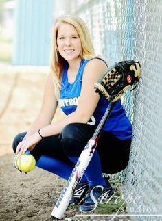 One of my senior pictures :) Softball Team Pictures, Baseball Pictures, Sports Pictures, Cheer Pictures, Senior Girl Poses, Girl Senior Pictures, Senior Pics, Senior Portraits, Senior Session