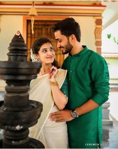 Indian Wedding Couple Photography, Photo Poses For Couples, Wedding Couple Poses Photography, Girl Photography Poses, Cute Couple Images, Love Couple Photo, Cute Couple Videos, Wedding Couples, Set Saree