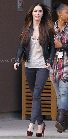 Black leather jacket / Loose white tank / grey skinny jeans / Black heels - Megan Fox