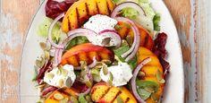 Sałatka z brzoskwiniami i kozim serem Bruschetta, Cobb Salad, Salad Recipes, Grilling, Food And Drink, Eggs, Lunch, Breakfast, Bowls