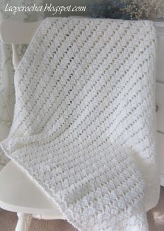 Lacy Crochet: Lacy Braids Baby Blanket Finished Size: Approx cm) square Materials: Pound of Love by Lion Brand, Antique White, 1 ball, Crochet hook US size mm) free pattern Baby Afghan Crochet, Crochet Quilt, Manta Crochet, Baby Afghans, Love Crochet, Baby Blankets, Beautiful Crochet, Single Crochet, Free Baby Blanket Patterns
