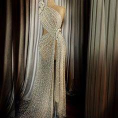 Red carpet dress by Lena Berisha Event Dresses, Nice Dresses, Couture Dresses, Fashion Dresses, Dress Outfits, Ballroom Dress, Beautiful Gowns, Dream Dress, Homecoming Dresses
